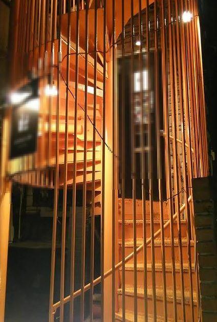 表参道 東京都港区西麻布2丁目の六本木複数路線アクセス可能な好立地からオシャレな隠れ家的店舗の会員制バー居抜き物件の外観
