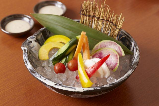 鮮魚仲卸直営「神楽家」彩り野菜のかにみそディップ