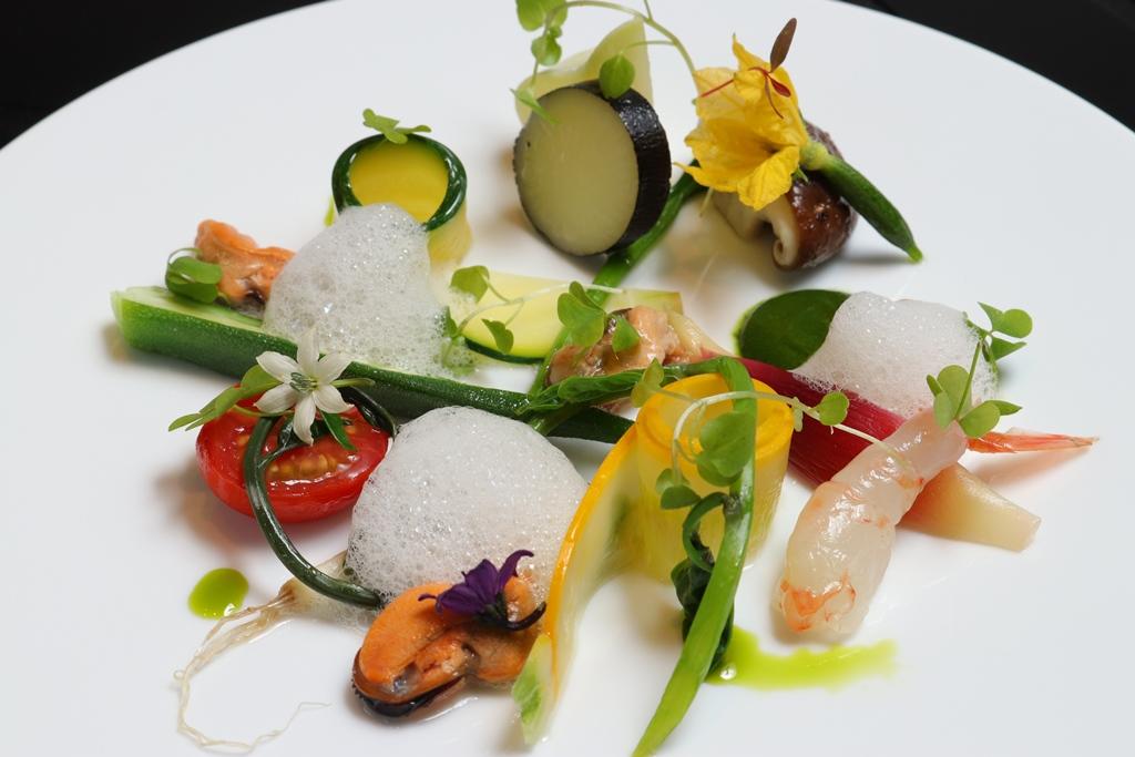 季節野菜とムール貝のサラダ仕立て<季節物>