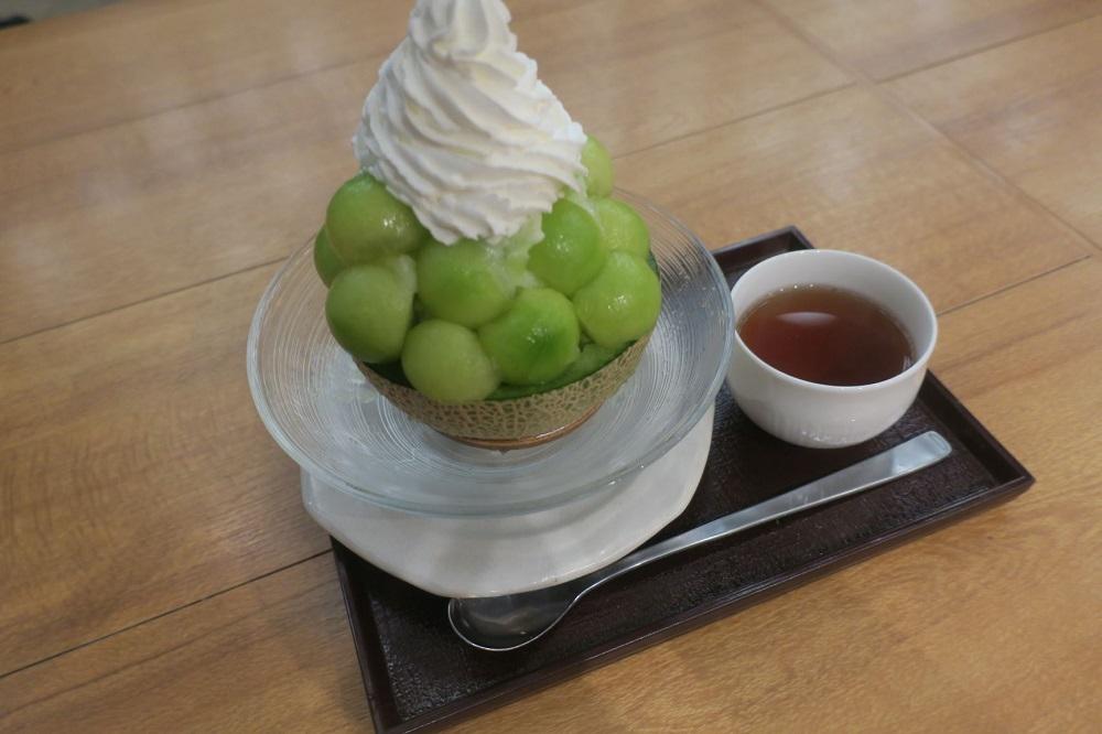 期間限定商品の「まるごとメロンミルク」1350円