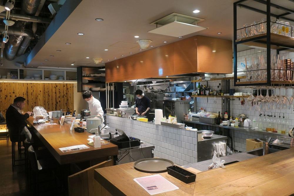 「@Kitchen AOYAMA」は40坪、36席とレストランとしてはゆったりとした構成になっている。